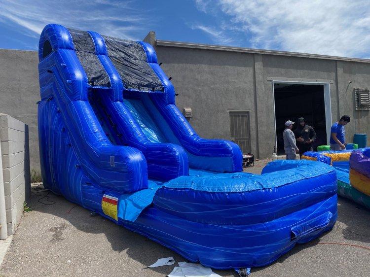 Bahama Breeze Water Slide 18'
